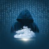 La silueta de un pirata informático en el fondo de datos se nubla ilustración del vector