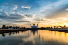 La sombra de la mezquita imágenes de archivo libres de regalías