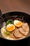 La sopa de miso japonesa de los tallarines Imagenes de archivo