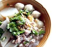 La sopa de tallarines tailandesa. Imagen de archivo
