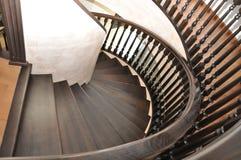 La sortie au 3ème étage de l'escalier en spirale est tout à fait simple Images stock