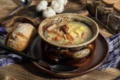 La soupe aigre faite de farine de seigle photos libres de droits
