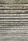 La sovrapposizione sistema di vecchia struttura del tetto di mattonelle Immagini Stock