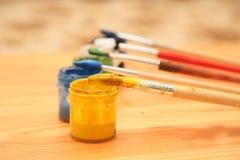 La spazzola e la pittura Fotografia Stock