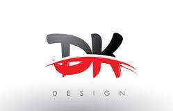 La spazzola Logo Letters della dk la D K con rosso ed il nero mormorano la parte anteriore della spazzola Fotografia Stock