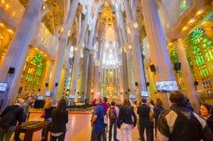 La spettacolare interna Sagrada della chiesa di Barcellona Fotografia Stock Libera da Diritti