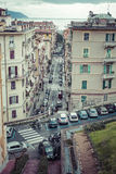 LA SPEZIA, ITALIA - 9 MARZO 2016: Le alte case strette della città di spezia della La Fotografie Stock