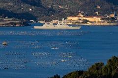La Spezia, Liguri?, Itali? 03/27/2019 Italiaans militair schip D554, Caio Duilio stock afbeelding