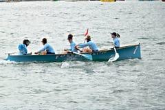 La Spezia, Liguri?, Itali? 03/17/2019 Palio del Golfo Vrouwenbemanning Traditionele maritieme regatta stock foto