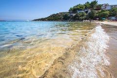 La spiaggia a Baja Sardegna in Sardegna, Italia Immagine Stock Libera da Diritti
