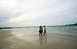 La spiaggia con la sabbia bianca, isola di Jeju, Corea, isola vulcanica immagini stock libere da diritti