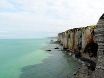 La spiaggia di Etretat in Normandie Fotografie Stock