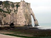 La spiaggia di Etretat in Normandie Immagini Stock