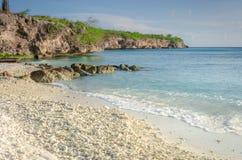 La spiaggia di sabbia bianca di Oporto Mari con cielo blu immagine stock