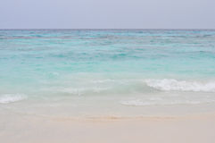 La spiaggia di sabbia bianca in Tailandia immagini stock libere da diritti