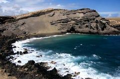 La spiaggia di sabbia verde al Ka Lae, inoltre sa come punto del sud, Hawai Immagini Stock