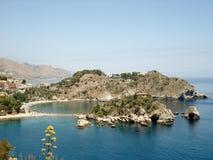 La spiaggia di Taormina immagine stock