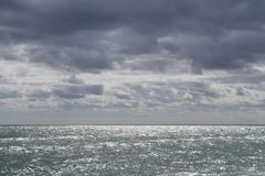 La spiaggia grigia fotografia stock