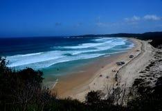 La spiaggia lunga 4WD alla guarnizione oscilla dai punti di Sugarloaf Immagine Stock