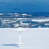 La spiaggia nella neve fotografia stock