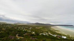 La spiaggia scenica di Noordhoek stock footage