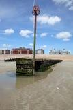 La spiaggia Sussex orientale alloggia l'acqua fotografia stock libera da diritti