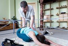 La spina dorsale per correggere attrezzatura per allungare Fotografie Stock