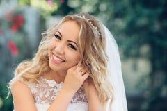La sposa il giorno del suo matrimonio Immagine Stock