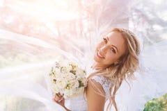 La sposa il giorno del suo matrimonio Immagini Stock