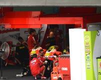 La squadra di Ducati pozzo-arresta il garage Fotografia Stock Libera da Diritti