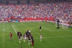 La squadra di football americano delle donne degli Stati Uniti celebra la conquista della coppa del Mondo 2015 della FIFA Fotografia Stock