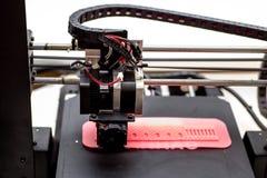 la stampante 3d stampa l'oggetto Immagini Stock Libere da Diritti