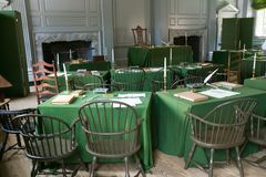 La stanza dell'Assemblea in cui la dichiarazione di indipendenza e la costituzione degli Stati Uniti sono state firmate nell'indi fotografie stock