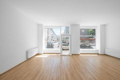 La stanza vuota, compera interno con la finestra di acquisto Immagini Stock