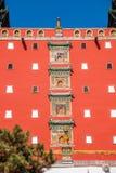 La station de sports d'hiver de Chengde dans la province de Hebei Putuo par le temple du rouge et le manteau dominent Image libre de droits