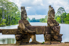 La statua antica in Angkor Wat cambodia Immagini Stock