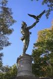 La statua Central Park NY del falconiere Fotografie Stock