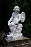 La statua del cupido nel PARCO di SOFIYIVSKY IN UMAN l'ucraina fotografie stock libere da diritti