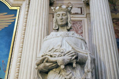 La statua del san nella chiesa francescana dell'annuncio a Transferrina Fotografia Stock