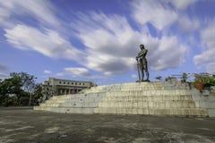 La statua della sentinella del monumento di Lapu Lapu di libertà in Ri Fotografie Stock Libere da Diritti