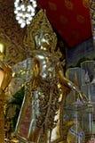 La statua di Buddha: Fede nella religione fotografie stock