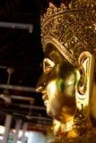 La statua di Buddha: Fede nella religione immagine stock