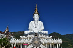 La statua di Buddha più bella a Phetchaboon Immagini Stock Libere da Diritti