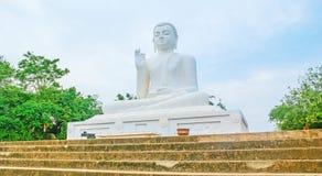 La statua di Buddha in tempio di Mihintale Fotografie Stock Libere da Diritti