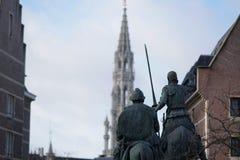 La statua di Don Quixote e di Sancho Panza a Bruxelles immagini stock libere da diritti