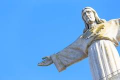 La statua di Gesù, in Almada; Attraverso il fiume f Fotografie Stock Libere da Diritti