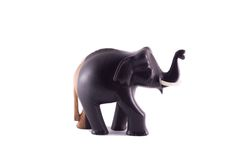La statua di legno del nero e del marrone dell'elefante Immagini Stock