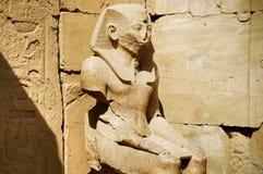 La statua di Ramses in tempiale di Karnak Fotografia Stock Libera da Diritti
