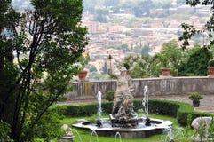 la statua di Roma Vittoriosa al este Tivoli del ` della villa d roma Immagini Stock Libere da Diritti