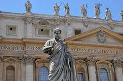 La statua di St Peter nella basilica di St Peter Fotografie Stock Libere da Diritti